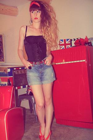 red Only belt - sky blue Zara shorts - black Vedette bodysuit - red qsp heels