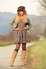 Camel-pieces-boots-olive-green-nishe-dress-camel-vintage-hat