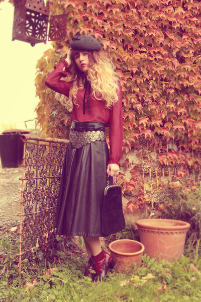ruby red vintage shoes - black vintage bag - black vintage belt
