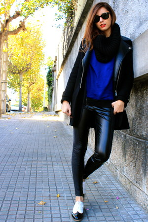 blue SANDRO sweatshirt - black Zara coat - black asos flats