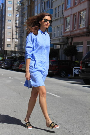 light blue Uterque shirt - black Zara sandals