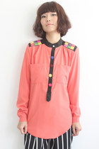 Vintage 1980s Deco Applique/Button Details L/S Shirt