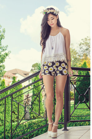 white crochet Miss Pixie Fashion top - yellow daisy Motel Rocks shorts