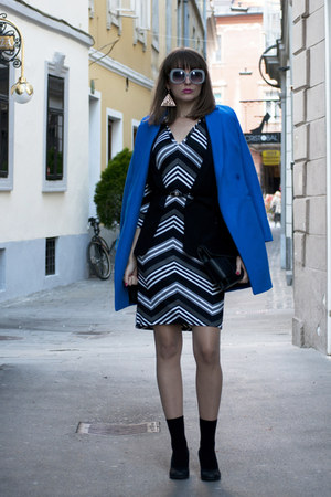 blue asos coat - white no name dress - black OASAP bag - black Zara vest