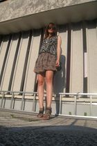 brown Orsay skirt - black H&M top - brown Funky Shoes shoes - gold H&M necklace