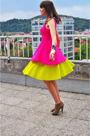 yellow COS skirt - hot pink Zara dress - camel asos heels