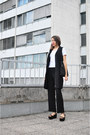 Black-cos-dress-black-no-name-bag-white-no-name-t-shirt-black-zara-sandals
