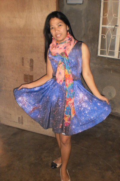 Choies scarf - Romwecom dress