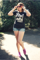 black the who shirt - amethyst asos shoes - blue denim Topshop shorts