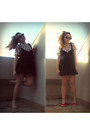 Black-fox-dress-black-round-cat-eye-ebay-sunglasses-red-flats-h-m-sneakers