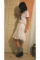 Hanes t-shirt - skirt - alice  olivia for Payless boots