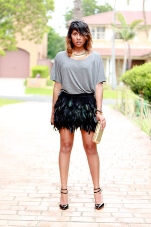 dark green feather romwe skirt - camel gold collette purse
