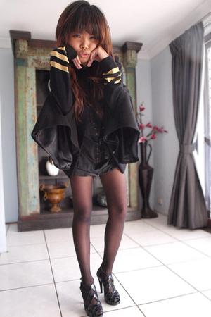 black Wittner shoes - black cape Forever New jacket