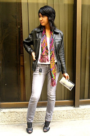 thrifted jacket - thrifted top - bench jeans - Nine West shoes - Aldo purse - vi