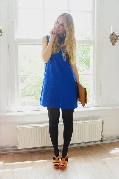 bronze Guess heels - blue Mango dress - bronze Monki bag