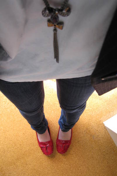 Levis Red Tab 514 jeans - Hush Puppies shoes - Topshop top - Sportsgirl blazer