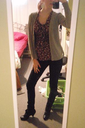 H&M shirt - Forever 21 cardigan - Zara boots - Simons jeans