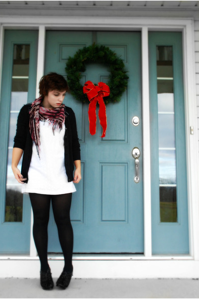 white dress - black tights - black sweater - red scarf - black shoes - black sca