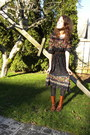 Black-vintage-dress-tawny-maloles-boots-brown-target-belt