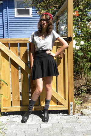 gray Forever21 shirt - black American Apparel skirt - gray Nordstrom socks - bla