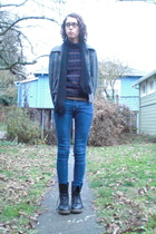 brown vintage sweater - black Dr Martens boots