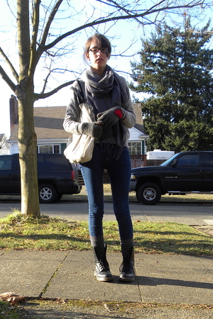 gray thrifted gloves - gray scarf - gray thrifted sweater - blue BDG jeans - gra
