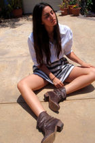 white Secondhand shirt - brown Steve Madden boots - gray Forever21 skirt