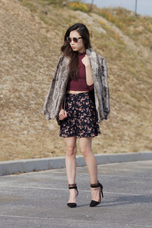 navy floral print brandy melville skirt