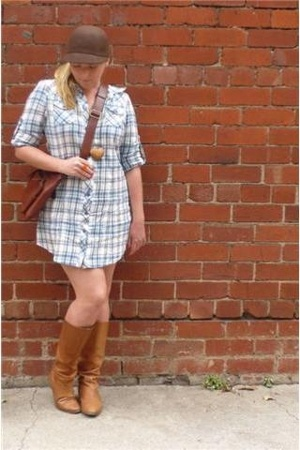 dress - Dangerfield hat - italian purse - Wittner boots - Sportsgirl necklace