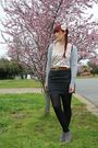 Pink-dotti-top-gray-bauhaus-skirt-gray-rubi-boots