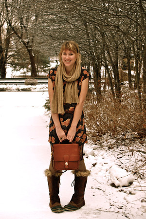 black dress - dark brown boots - brown purse - beige scarf