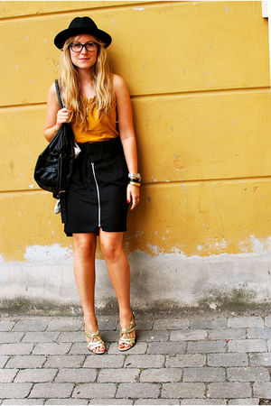 yellow H&amp;M blouse - gold vintage shoes - black whistles skirt