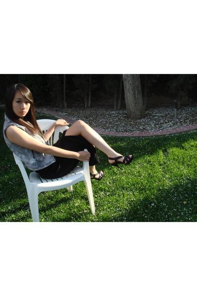 silver Romie vest - black vintage skirt - black Aldo shoes