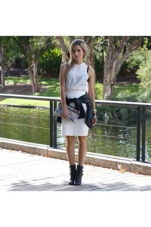 bruug top - betts boots - keepsake skirt