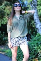 Chanel bag - no name shorts - H&M blouse