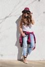 Light-blue-boyfriend-jeans-forever-21-jeans-maroon-fedora-forever-21-hat