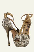 Light-brown-leather-fabric-sam-edelman-heels