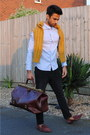 Pink-shoes-mustard-sweater-sky-blue-shirt-tawny-bag-black-pants