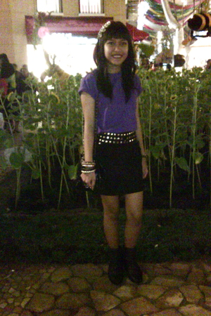 purple giordano t-shirt - black skirt - purple Zara boots