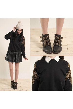 embroidered sweatshirt - boots - leather skirt - home decor