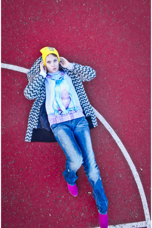 yellow KollanaFashion hat - magenta CzasNaButy boots - navy house jeans