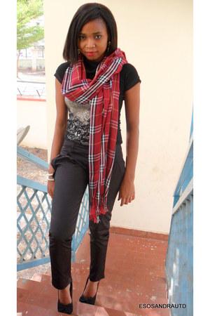 UTD scarf