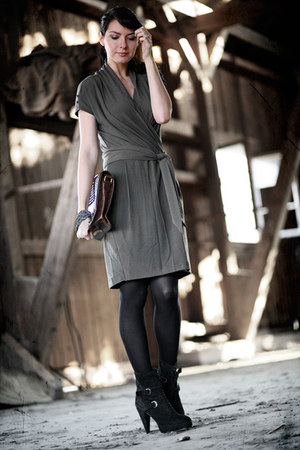 Ikks dress - The Kooples shoes - Urban Outfitters bag