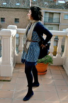 navy Zara dress - navy Calzedonia panties - navy unisa shoes - crimson asos belt