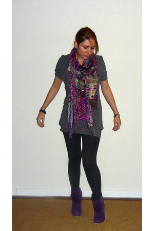 deep purple ankle boots C & A boots - dark gray sweater Forever21 dress - purple