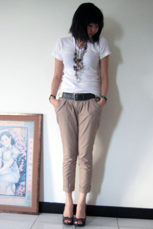 Uniqlo t-shirt - Topshop pants - H&amp;M belt - pedder red shoes