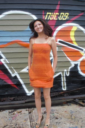 orange dress
