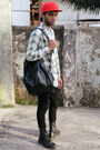 Black-12-holes-dr-martens-boots-black-denim-topman-jeans
