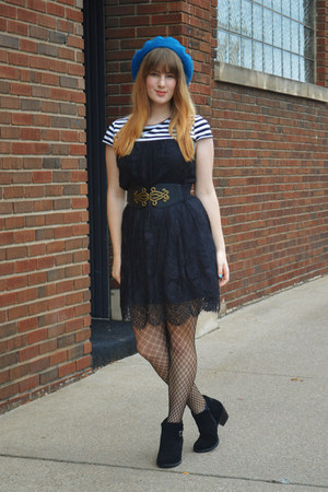 black boots - black lace dress - turquoise blue thrifted hat