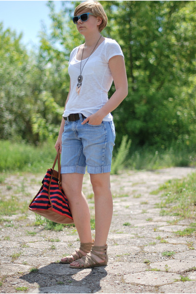 red H&M bag - periwinkle Levis shorts - blue TK Maxx sunglasses - neutral H&M ne
